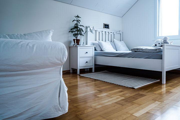 bílá ložnice1